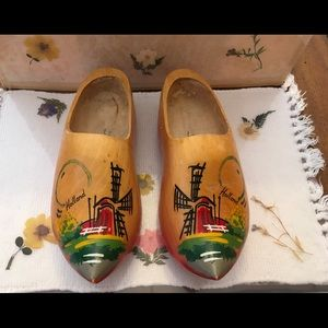 HAND PAINTED WOODEN SHOES FROM HOLLAND